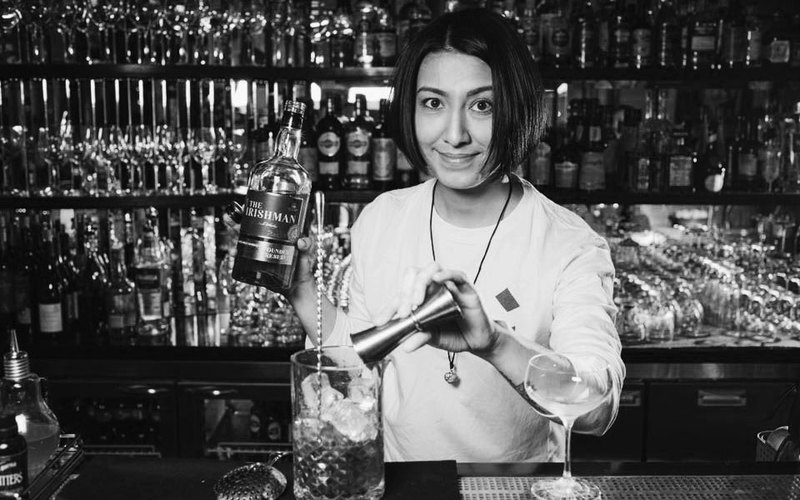 работа в баре для девушек